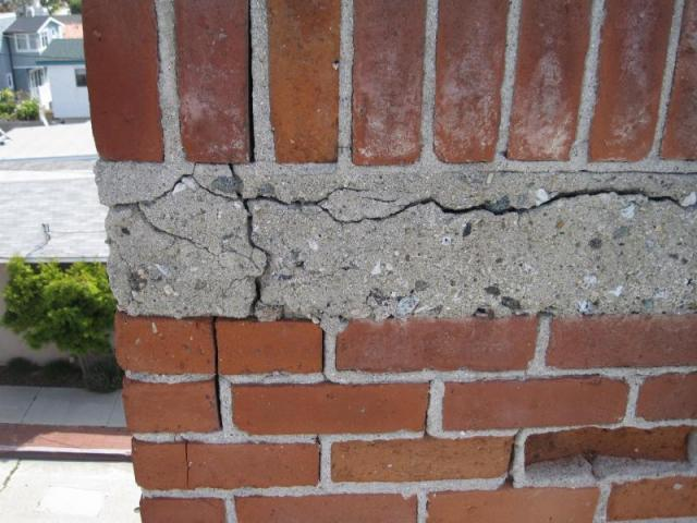 Santa Monica home inspection - Cracked chimney
