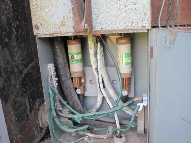 Pacific Palisades Home Inspection - Old electrics